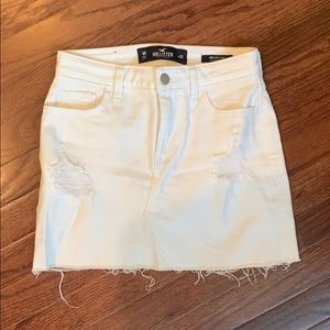 00 Hollister white denim skirt